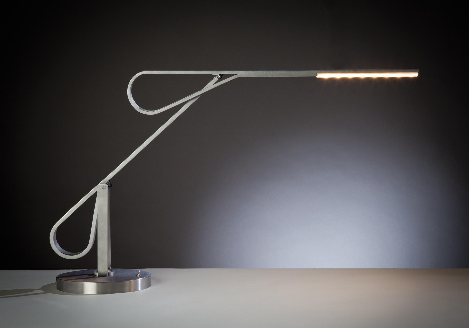 Lampe de bureau led pierre lota