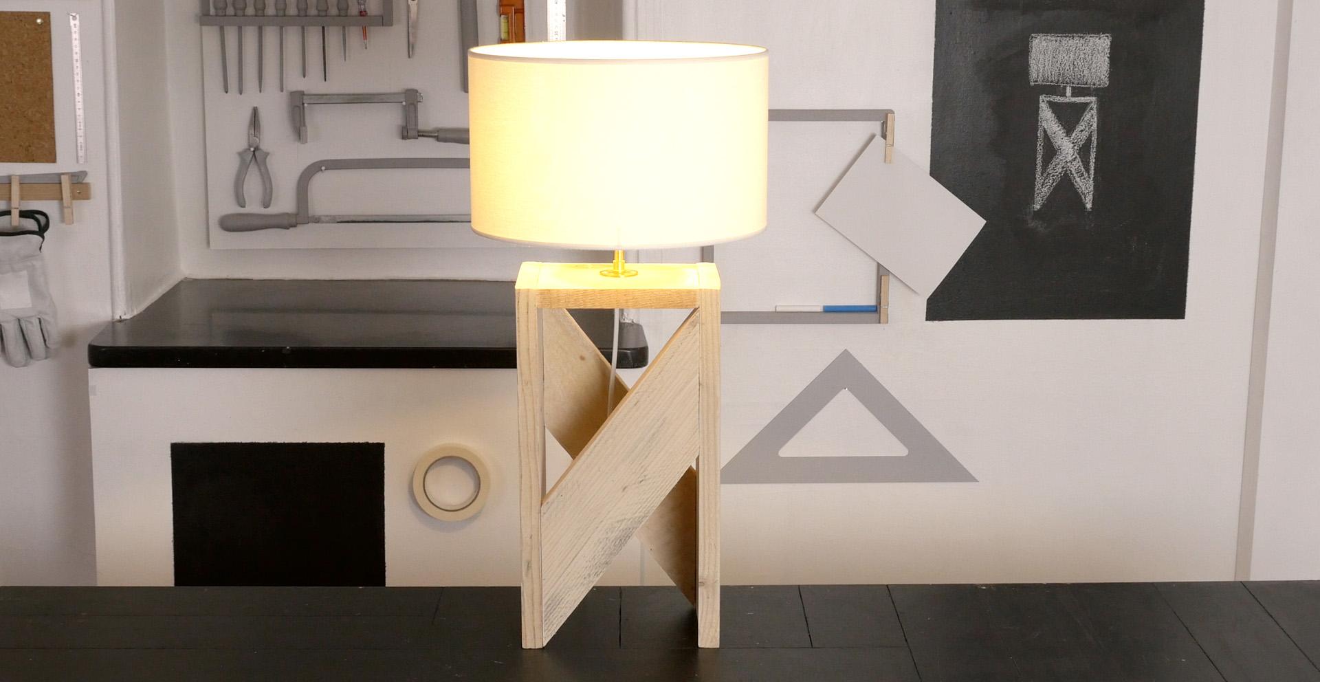 lampe palette pierre lota. Black Bedroom Furniture Sets. Home Design Ideas